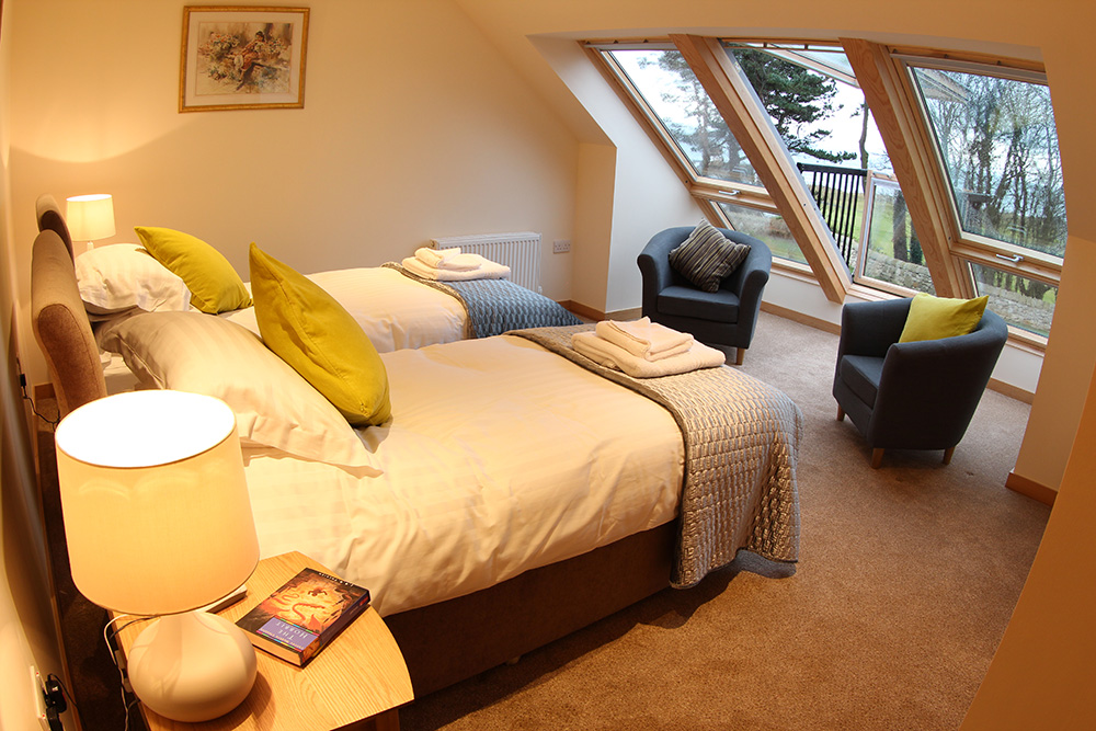 Drummochy-twin-or-double-room-with-balcony-and-sea-view3.jpg
